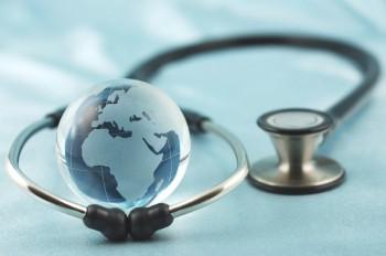 Let fram en kvalifisert utenlandsk klinikk og kontroller kirurgens kompetanse