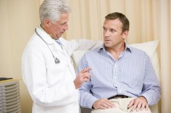Risikoene ved en hårtransplantasjon er veldig små uansett om du benytter FUE eller STRIP