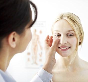 Kontroll etter neseplastikk